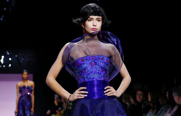 Неделя моды в Париже Haute Couture: Armani Prive - Sputnik Латвия