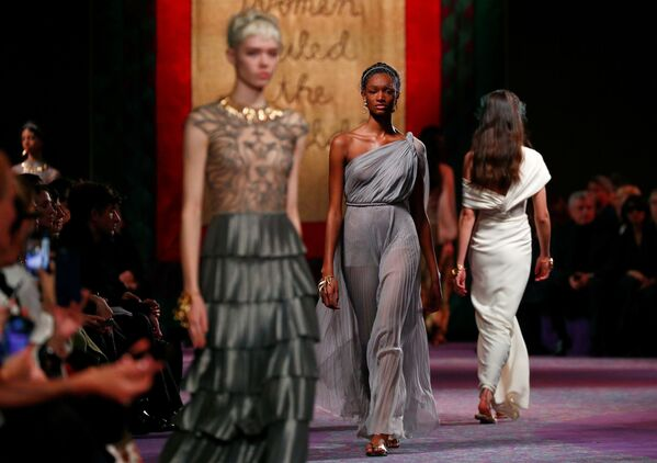Неделя моды в Париже Haute Couture: Dior - Sputnik Латвия