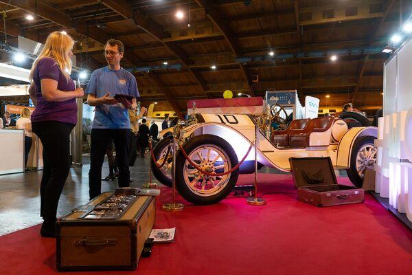 Новое приобретение Рижского мотор-музея – американский антикварный автомобиль Stutz Motor Company - Sputnik Латвия