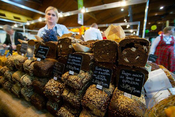 Самый вкусный ржаной хлеб сегодня - Sputnik Латвия