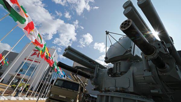 Зенитный ракетно-пушечный комплекс «Панцирь-МЕ» в экспозиции форума «Армия-2018» - Sputnik Латвия