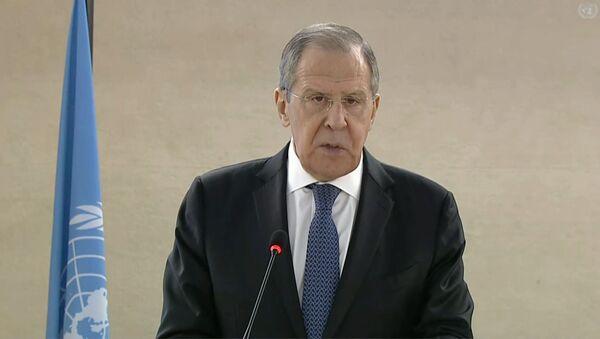 Лавров рассказал о стыдливых оправданиях Запада за прибалтийских протеже - Sputnik Латвия