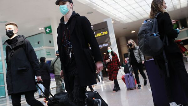 Туристы прибывают в аэропорт  - Sputnik Латвия