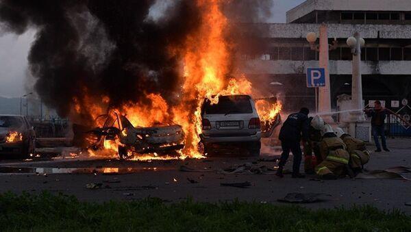 Взрыв автомобиля в Сухуми - Sputnik Латвия