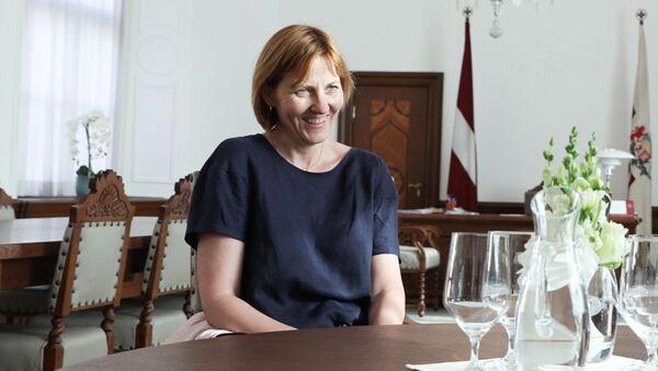 Генеральный секретарь Еврокомиссии Илзе Юхансоне на встрече с президентом Латвии Эгилсом Левитсом - Sputnik Латвия