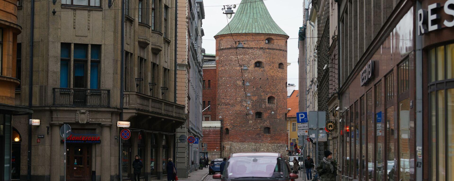 Пороховая башня и улица Вальню в Риге - Sputnik Латвия, 1920, 13.08.2021