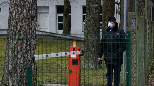 Apsargs Latvijas infektoloģijas centrā - Sputnik Latvija