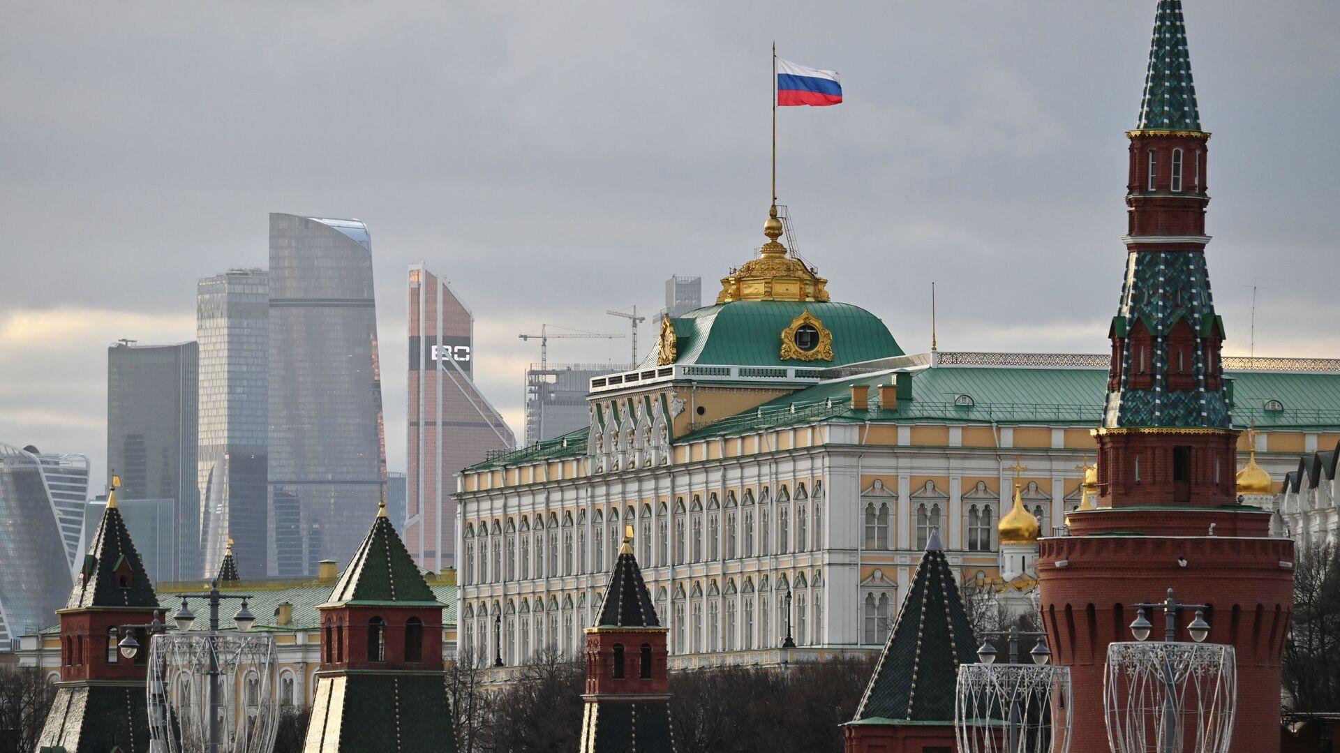 Московский Кремль и небоскребы делового центра Москва-сити, архивное фото - Sputnik Latvija, 1920, 18.05.2021