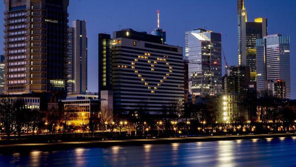 Огни гостиницы в форме сердца в Германии  - Sputnik Латвия
