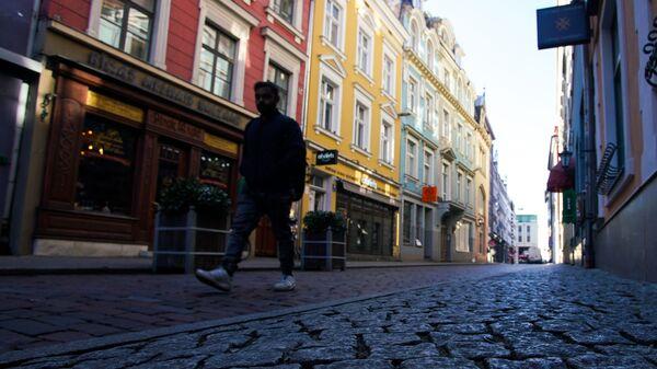 Пустая улица в Старой Риге - Sputnik Латвия