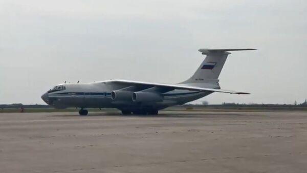 Россия доставила в Италию 30 аппаратов ИВЛ - Sputnik Latvija