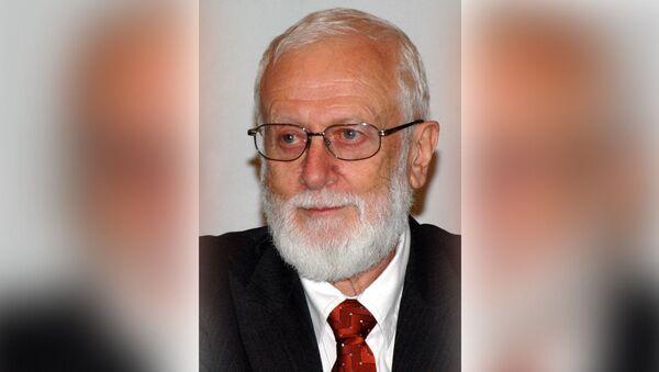 Анатолий Альштейн, вирусолог, доктор медицинских наук, член Нью-Йоркской академии наук - Sputnik Latvija