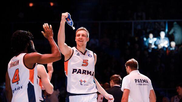 Баскетболист клуба Парма Марекс Мейерис  - Sputnik Латвия