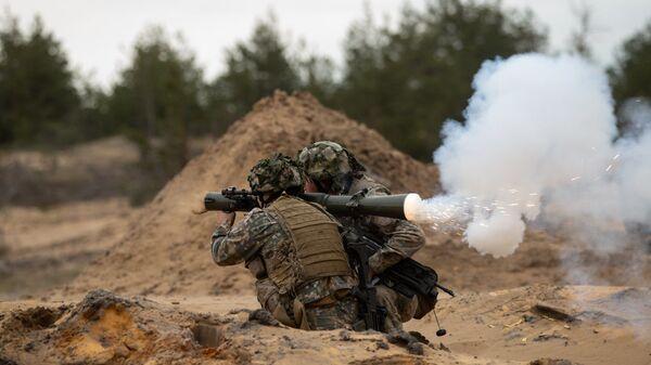 Военные учения в Адажи, Латвия - Sputnik Латвия