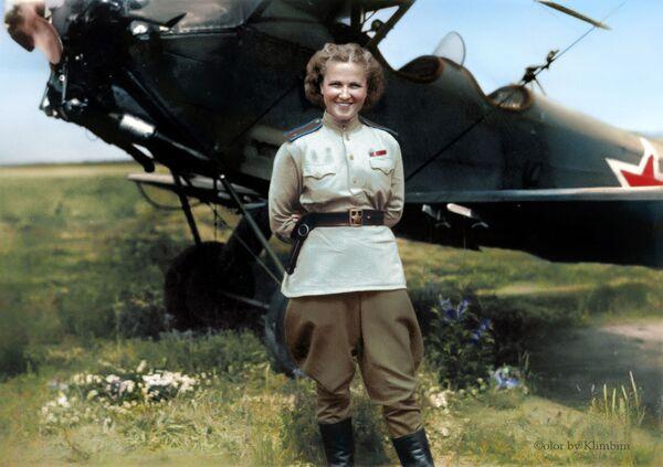 Советская летчица Надежда Попова. - Sputnik Латвия