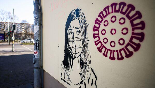 Граффити на тему коронавируса в Берлине - Sputnik Латвия