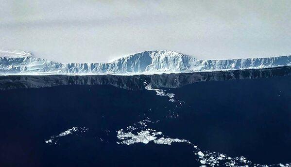 Aisberga A-68 rietumu mala - Sputnik Latvija