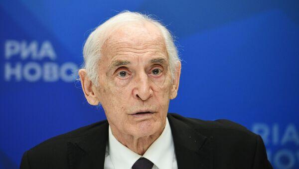 Народный артист СССР, сопредседатель движения Бессмертный полк Василий Лановой - Sputnik Латвия