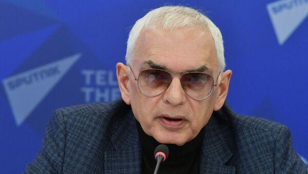 Генеральный директор киноконцерна Мосфильм, режиссер Карен Шахназаров - Sputnik Латвия