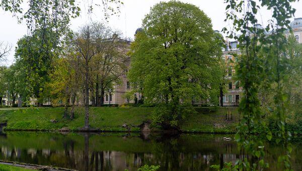Рижский канал и здание Латвийского университета - Sputnik Латвия