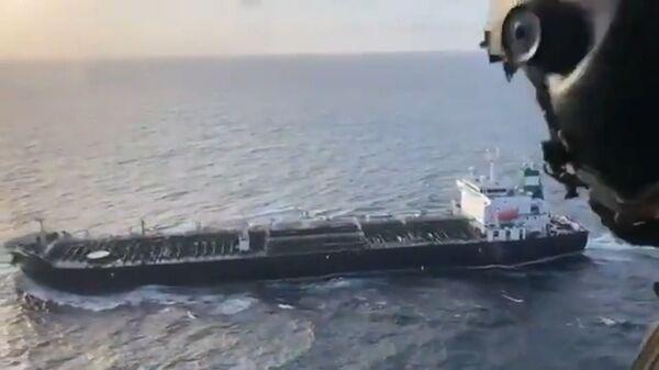 Угрозы США не помогли: в Венесуэлу прибыло топливо из Ирана - Sputnik Latvija
