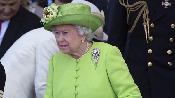 Королева Великобритании Елизавета II, июнь 2014 года - Sputnik Latvija