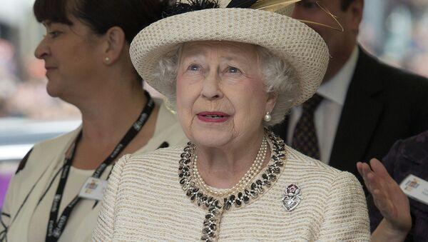 Королева Великобритании Елизавета II во время своего 60-летнего юбилея правления, июль 2012 - Sputnik Latvija