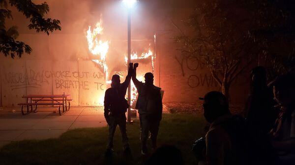 Протесты в Миннеаполисе - Sputnik Latvija