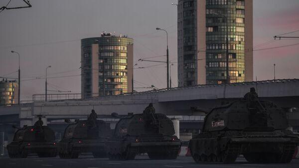 Передислокация военной техники в Москву для участия в параде Победы - Sputnik Латвия