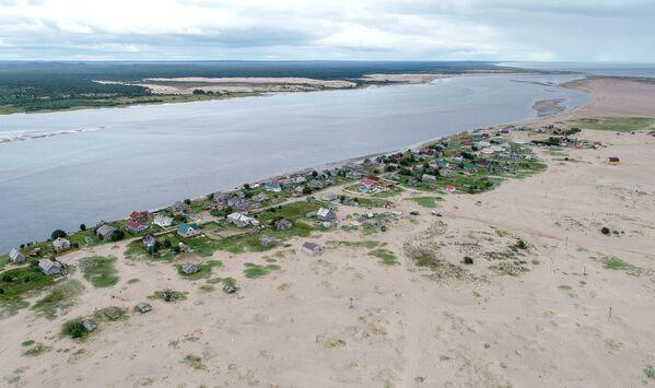 Кузоменьские пески наступают на село Кузомень в Мурманской области - Sputnik Латвия
