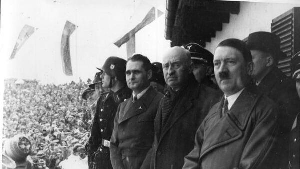 Рудольф Гесс, Анри де Байе-Латур и Адольф Гитлер. Архивное фото - Sputnik Latvija
