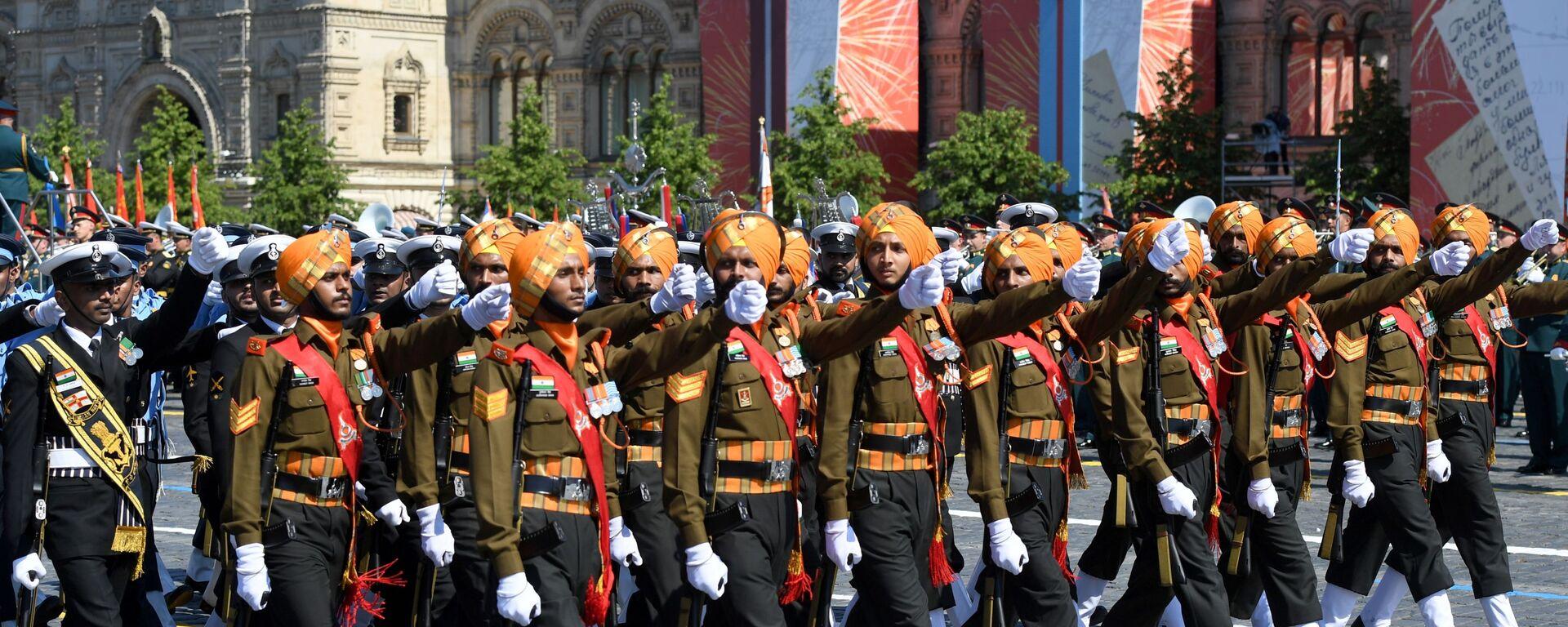 Парадный расчет армии Индии во время военного парада в ознаменование 75-летия Победы в Великой Отечественной войне 1941-1945 годов на Красной площади в Москве - Sputnik Латвия, 1920, 11.01.2021