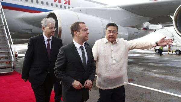 Председатель правительства РФ Д.Медведев прибыл в Манилу на саммит АТЭС - Sputnik Латвия