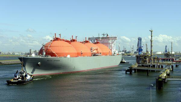 Sašķidrinātās dabasgāzes transporta kuģis - Sputnik Latvija