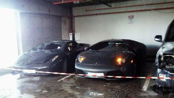 Сгоревшие автомобили Ламборджини - Sputnik Латвия