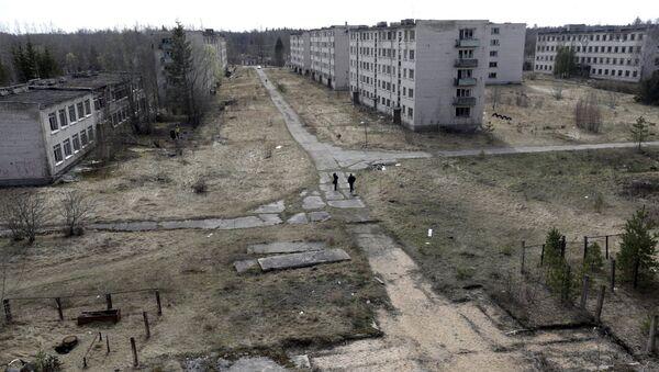 Панорама города-призрака бывшей советской военной радиолокационной станции возле Скрунды - Sputnik Latvija
