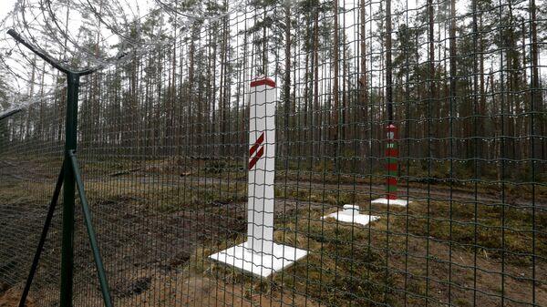На границе Латвии и России - Sputnik Латвия