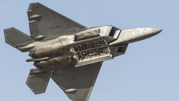 Истребитель F-22 ВВС США - Sputnik Latvija