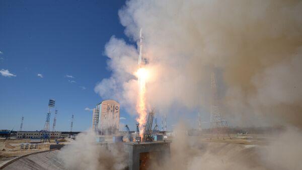 Первый пуск ракеты-носителя с космодрома Восточный - Sputnik Латвия