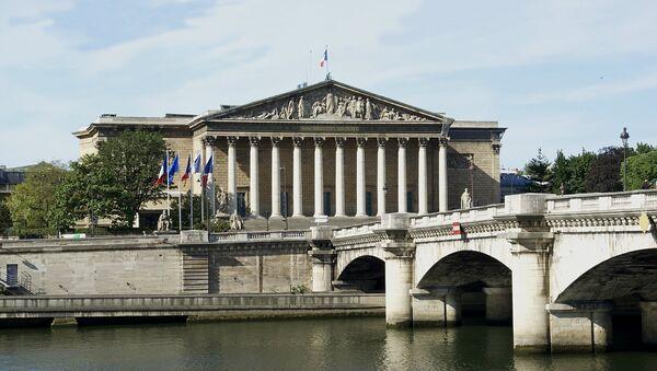 Место заседаний Национальной ассамблеи Франции в Париже - Sputnik Латвия