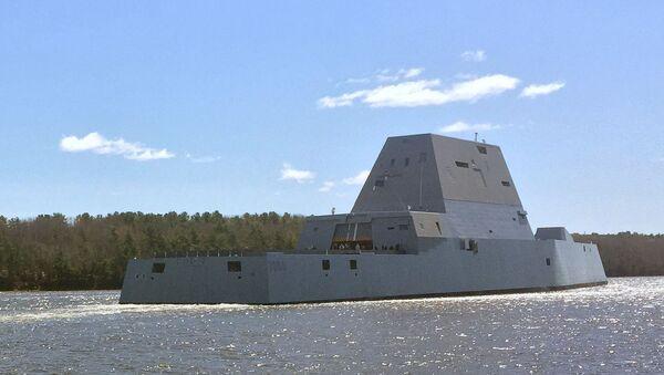 Amerikāņu superkuģis USS Zumwalt - Sputnik Latvija