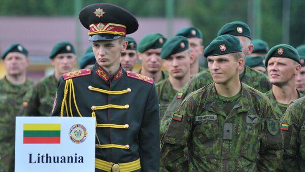 Литовские военнослужащие, архивное фото - Sputnik Латвия