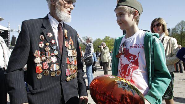 Празднование 9 мая в Риге - Sputnik Latvija