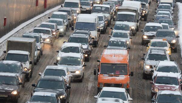 Automašīnās. Foto no arhīva - Sputnik Latvija