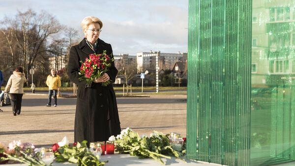 Памятник жертвам трагедии в Золитуде - Sputnik Латвия