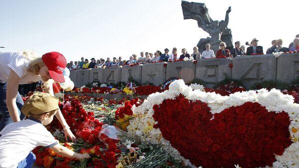 Шествие Бессмертного полка в Риге - Sputnik Латвия