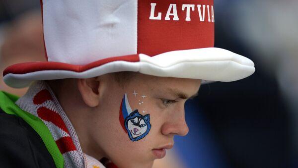 Болельщик на ЧМ по хоккею - Sputnik Латвия