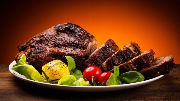 Запечённое мясо. - Sputnik Latvija