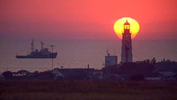 Маяк на западной оконечности Крыма. - Sputnik Латвия
