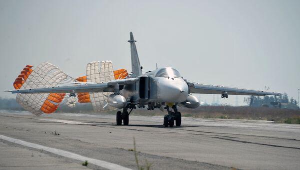 Самолеты ВКС РФ на авиабазе Хмеймим в Сирии - Sputnik Латвия